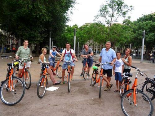 barcelona bike tour group